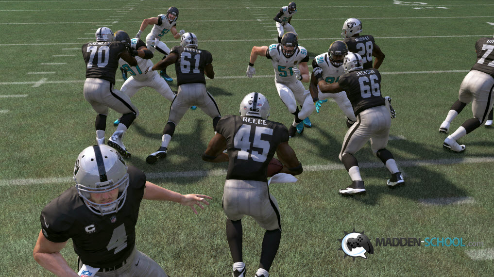 madden-17-stop-fb-dive-3